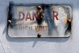 dangervoltage078_s
