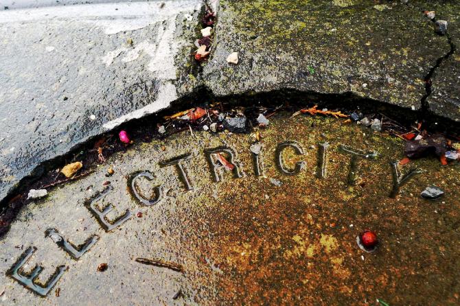 electricityrain1_s